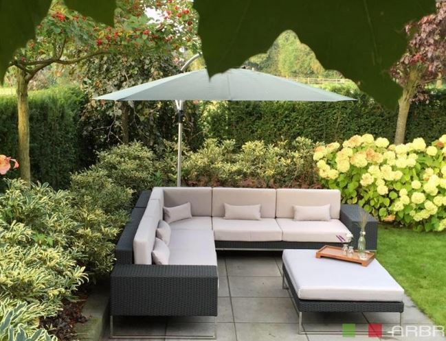 tuin met loungeset